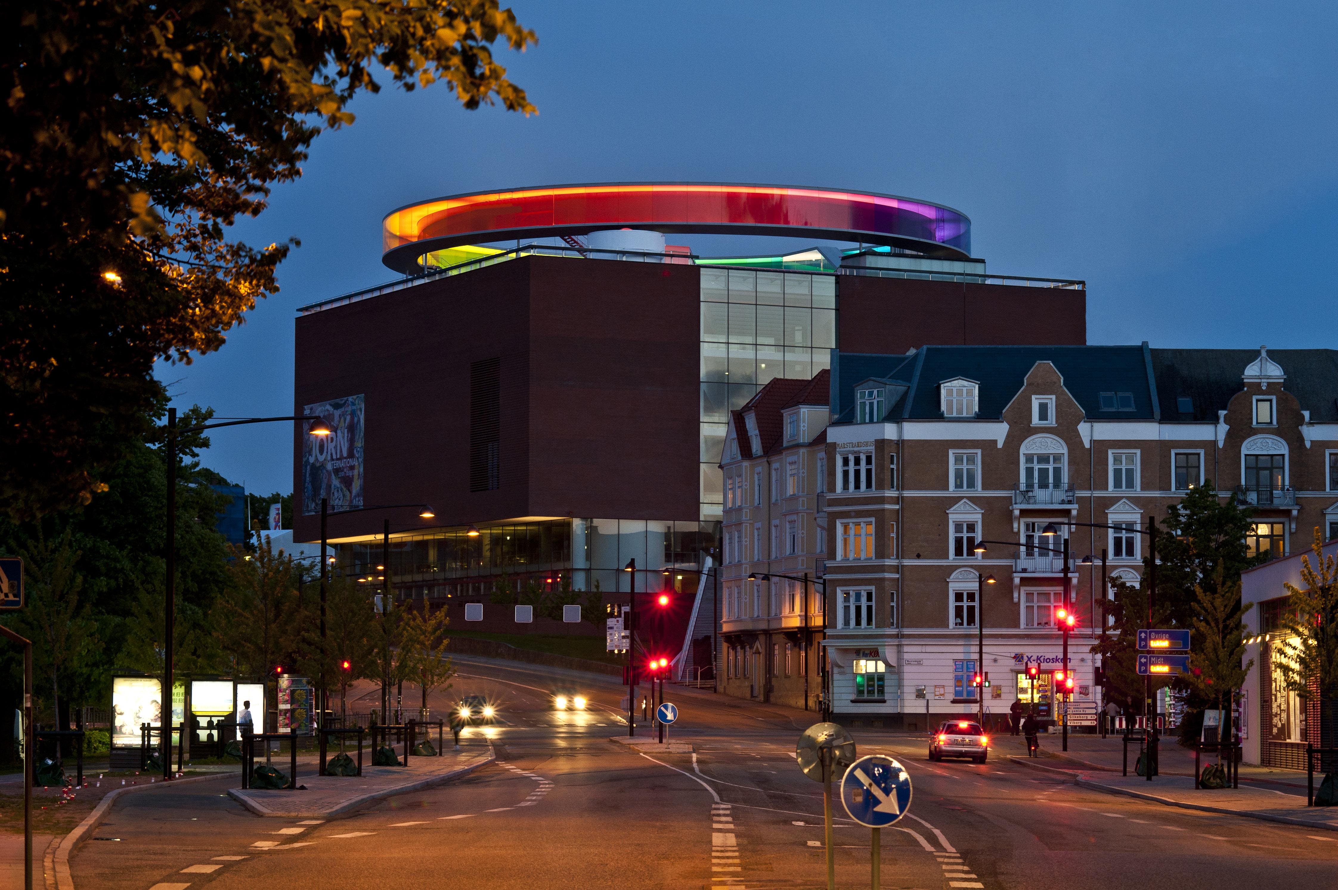 ARoS jest jednym z największych muzeów w Danii